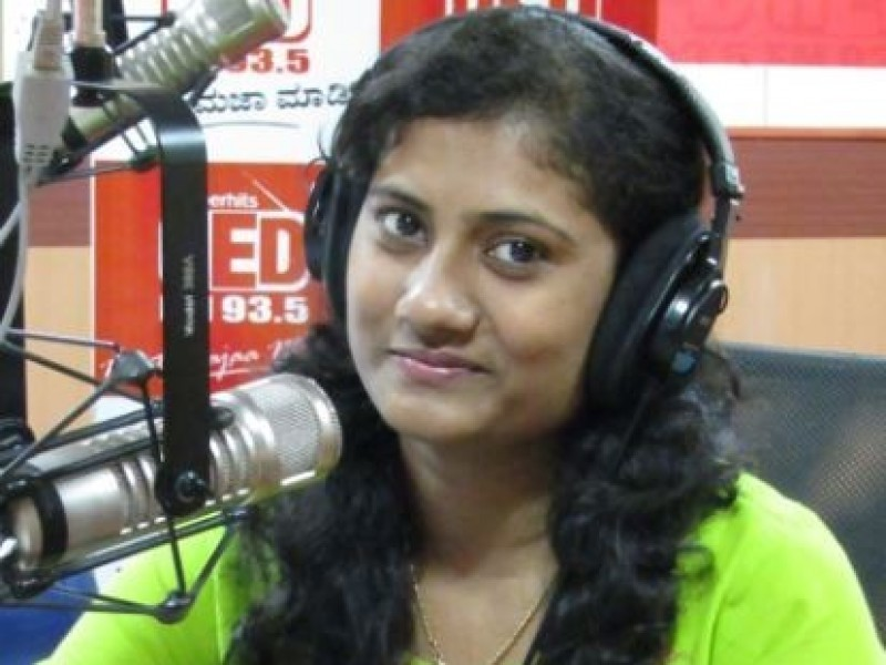Rj Shruthi