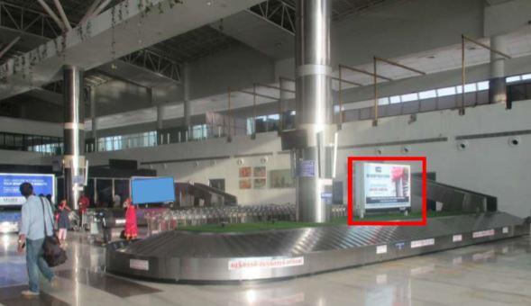 Arrival - 8 x 4 Ft - Conveyor Belt 1 - 8 x 4 Ft - Back Lit Panel